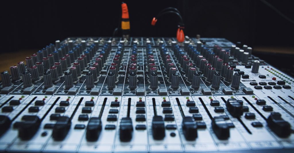 Mixing Desk | Kycker Article