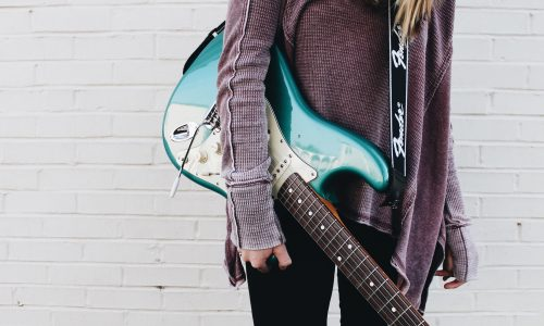 Girl Guitar | Kycker Article